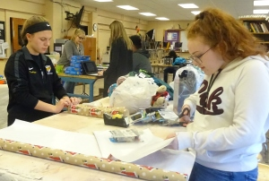 RLHS Student Council gift wrappers (2)